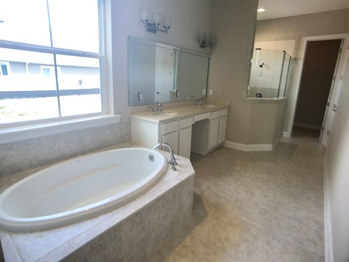 Lot 16 The Crossing | Master Bath | Dostie Homes